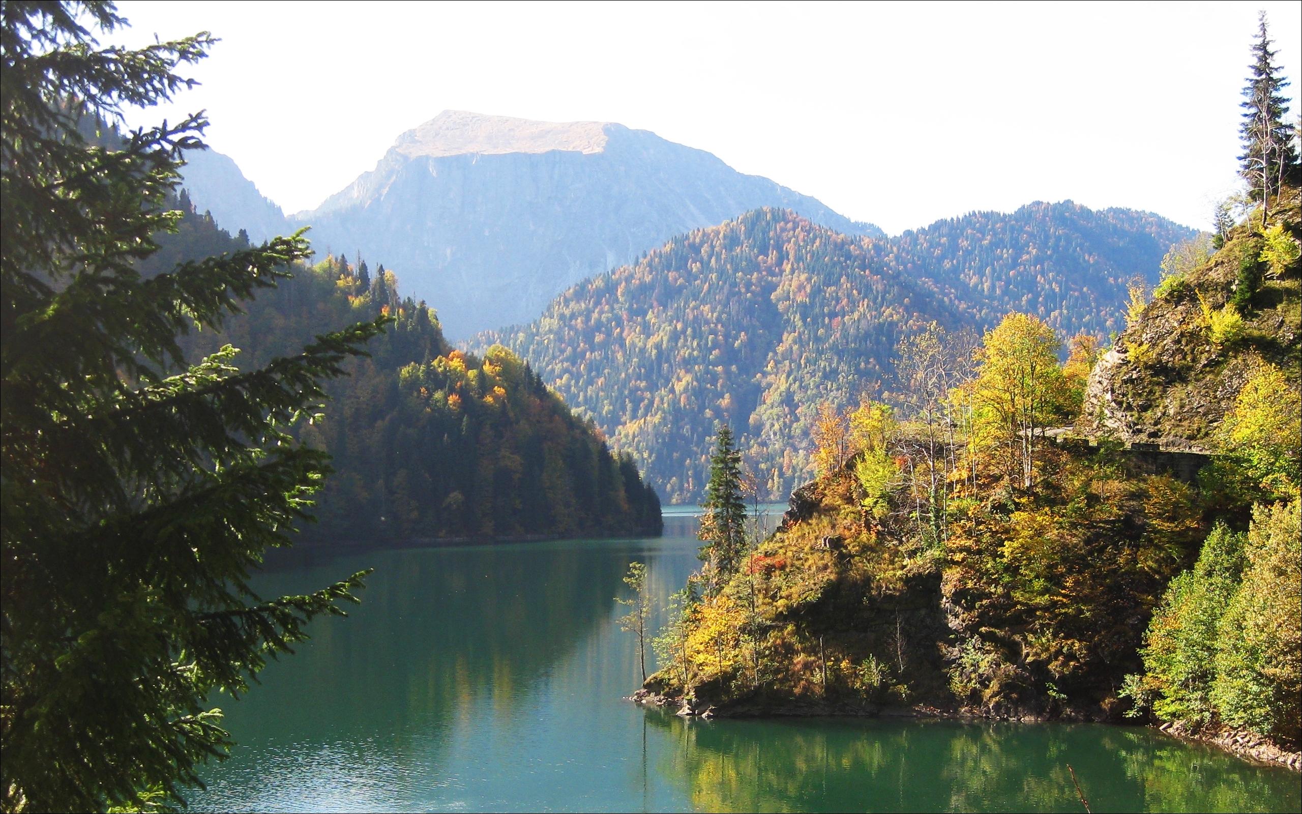 foto landschap Georgie Abchazië